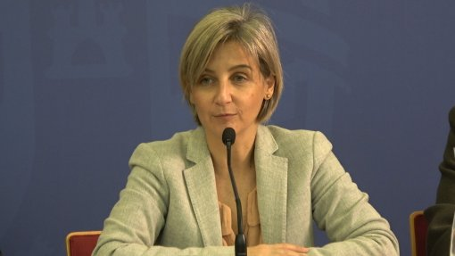 """Governo enfrenta """"luta sem tréguas"""" por melhores tempos de resposta"""