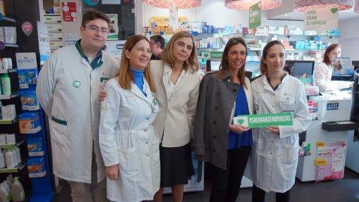 """Petição """"Salvar Farmácias"""" chegou ao parlamento com 120 mil assinaturas"""
