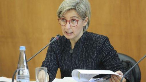 """Ministra diz que é """"totalmente inaceitável"""" caso dos internamentos em Vila Franca de Xira"""