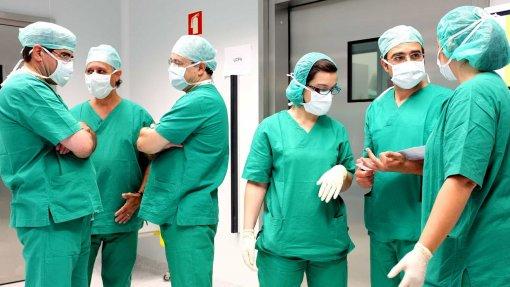 Aberto concurso para reforçar cuidados médicos no Algarve este verão
