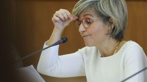 """""""Redução faseada é forma mais exequível de acabar com taxas moderadoras"""" afirma Ministra da Saúde"""