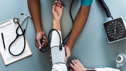 Governo abre recrutamento de 167 médicos para o SNS