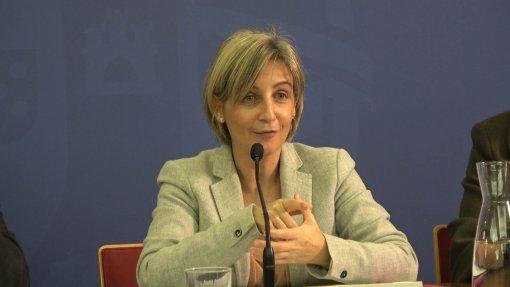 """""""Não há confronto"""" entre Saúde e Finanças sobre médicos em exclusividade, diz Marta Temido"""
