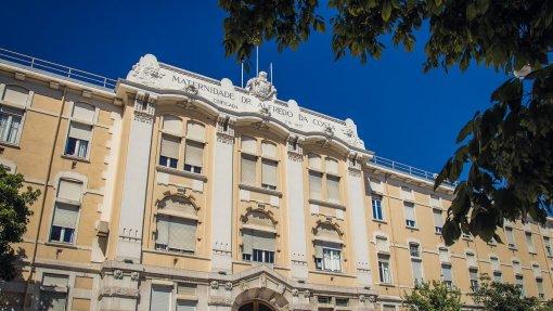Ministra da Saúde a analisar proposta para anestesistas tarefeiros na MAC