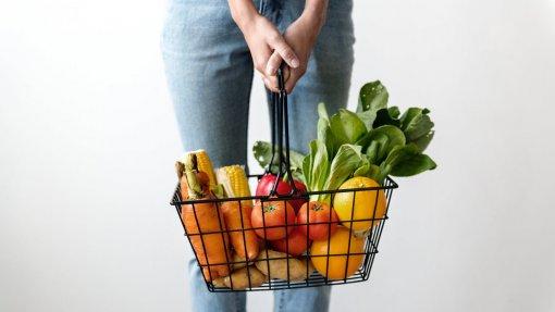 Comissão de Ambiente aprova projeto dos Verdes contra plástico para pão, fruta e legumes