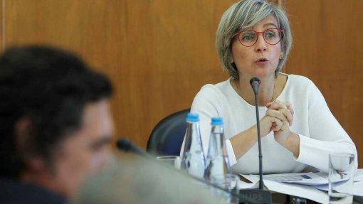 Ministra diz que isenção das taxas moderadoras terão melhor enquadramento na Lei de Bases da Saúde