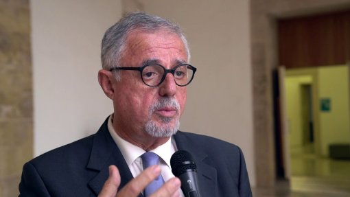 SNS deve ser reorganizado para acabar com desresponsabilização, diz Aranda da Silva