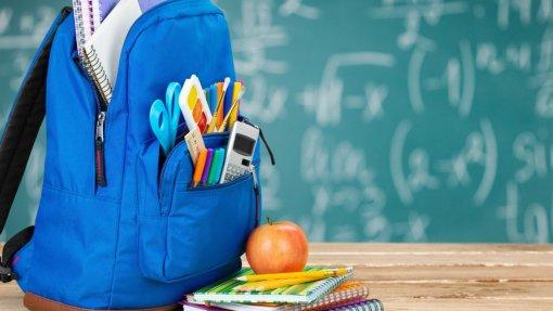Ministério quer reduzir peso excessivo das mochilas dos alunos
