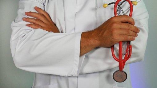 Mais de 350 vagas para médicos recém-especialistas ficaram por preencher