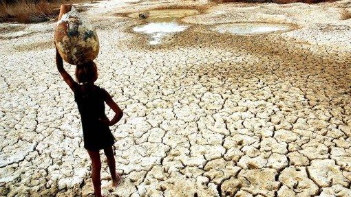 Água não vai chegar a 76% da população angolana em 2022 como prevê Governo