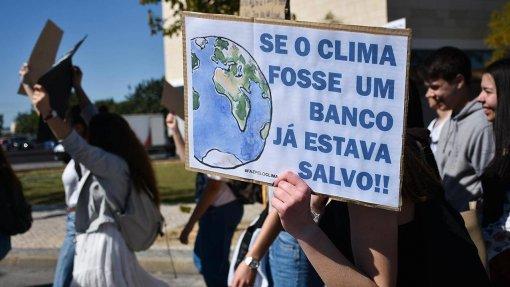 Semana em Portugal de ação global pelo clima termina com greve geral e manifestações