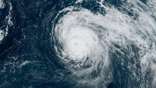 """Açores/Mau tempo: Furacão """"Lorenzo"""" passa à categoria 2 e deve perder intensidade"""