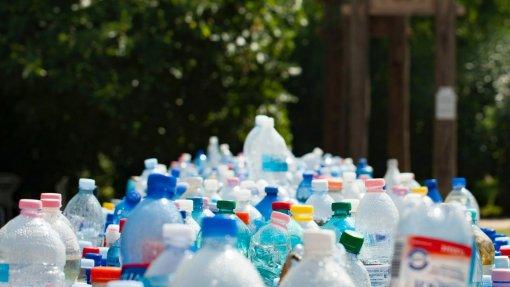 Reutilização é a verdadeira alternativa a plástico descartável