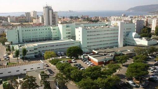 Centro Hospitalar de Setúbal abriu inquérito sobre parto de bebé que nasceu com malformações