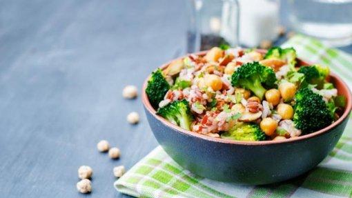 Ano letivo: Alunos queixam-se de refeições vegetarianas pobres que os deixam com fome