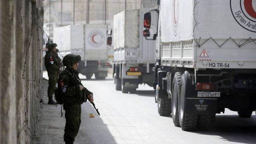 Coluna com ajuda médica consegue chegar a cidade Síria cercada pelas forças turcas