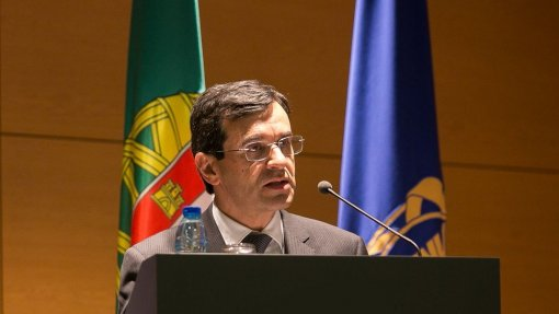 Ex-ministro da Saúde questiona utilidade de regulador face ao caso do bebé de Setúbal