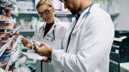 Carreira Especial Farmacêutica alargada aos Açores