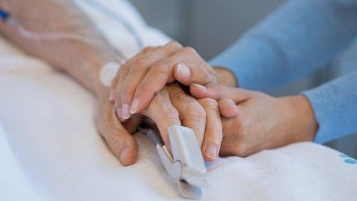 Hospital São João no Porto cria comunidade de cuidados paliativos