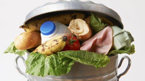 Setor alimentar e consumidores podem mudar panorama do desperdício de comida