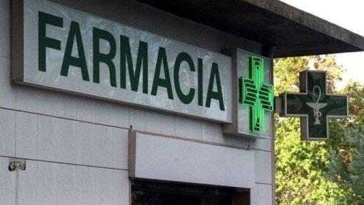 Doentes devem poder levantar medicamentos hospitalares em centros de saúde ou farmácias