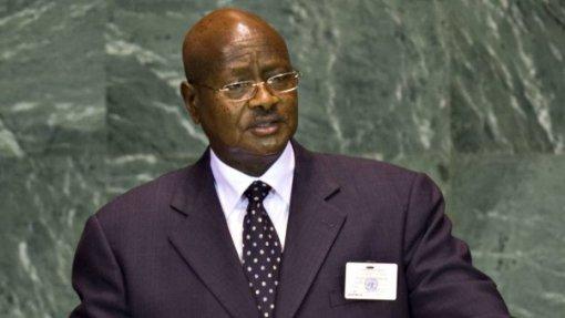Presidente do Uganda preocupado com a complacência em relação à Sida
