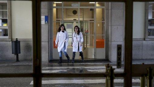 Centro Hospitalar de Setúbal prometeu respeitar limite de trabalho extraordinário na Urgência