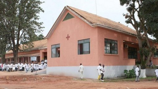 Hospital geral da Lunda Sul recebe por dia cinco casos de circuncisões mal sucedidas