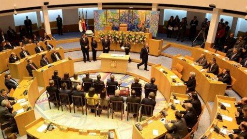 Parlamento dos Açores aprova audições a propósito de denúncia da Ordem dos Médicos