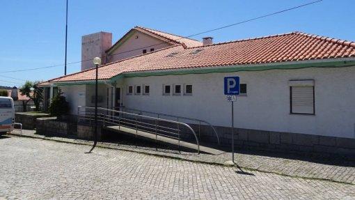 """Extensão de saúde em Viana fecha após """"desentendimento"""" entre médico e funcionária"""