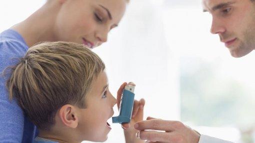 Equipa do Porto identifica moléculas que ajudam a diagnosticar asma em crianças