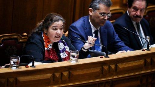 OE2020: Ministra garante que alargamento da ADSE será feito ainda este ano