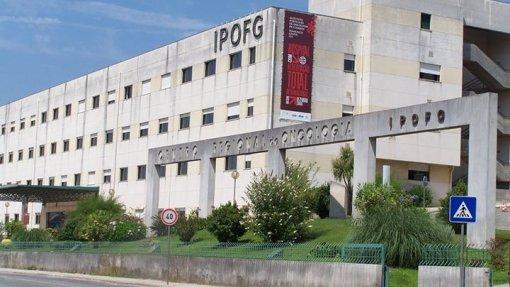 Trabalhadores do SUCH de Coimbra em greve por melhor salário e menos horas