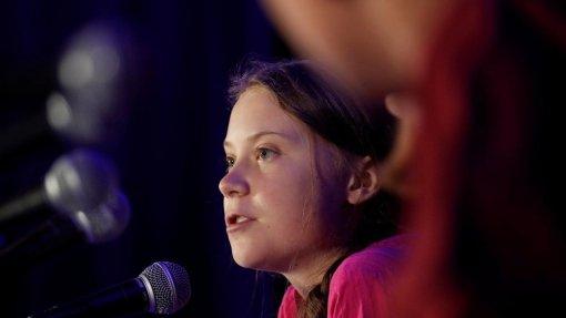 Greta Thunberg critica participantes em Davos por não fazerem nada sobre o clima