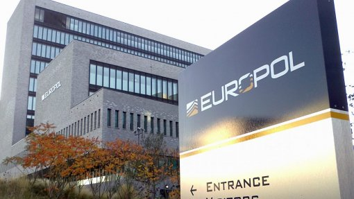 48 suspeitos de tráfico de medicamentos contrafeitos detidos em operação pan-europeia