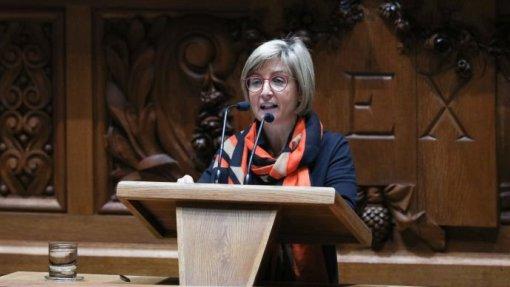 Governo garante hospitalização domiciliária em todos os hospitais do SNS em 2021