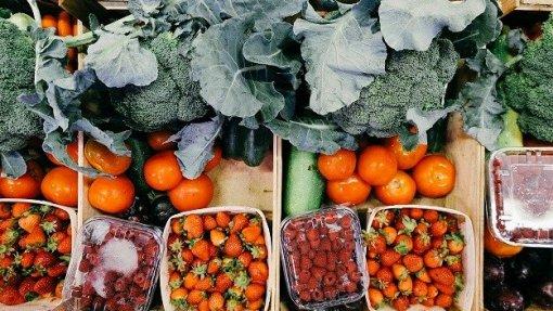 Fruta Feia já tirou duas mil toneladas do lixo e entregou 1 ME aos agricultores