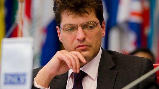 Covid-19: Bruxelas avalia medidas proporcionais incluindo controlo nas fronteiras