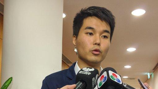 """Covid-19: Deputado Sulu Sou defende """"fundo antiepidémico"""" para enfrentar crise económica em Macau"""