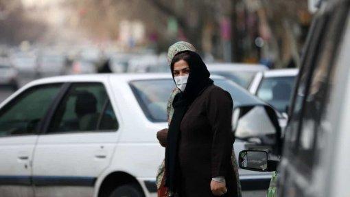 Covid-19: Irão vai fechar escolas na cidade onde começaram as infeções