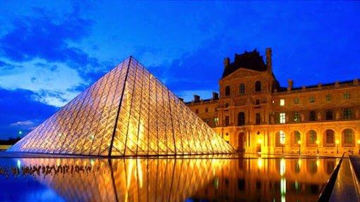 Covid-19: Museu do Louvre encerrado para reunião sobre medidas de prevenção