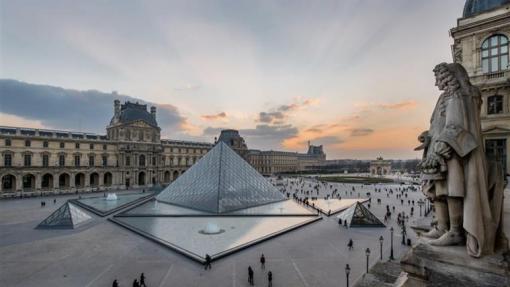 Covid-19: Museu do Louvre fechado devido a preocupação dos funcionários