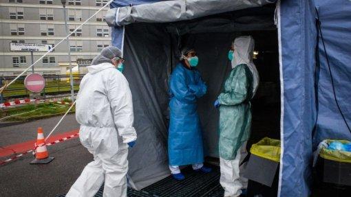 Covid-19: Grécia regista 21 novos casos de infeção num autocarro procedente de Israel
