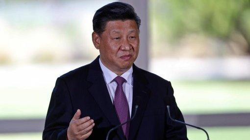 Covid-19: Xi Jinping pede retoma da atividade económica após semanas de estagnação