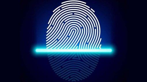 Covid-19: Ordem dos Médicos apela às instituições para abolirem registo por impressão digital