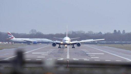 Covid-19: Governo decide suspender voos entre Portugal e zonas mais afetadas de Itália