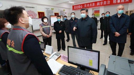 """Covid-19: Presidente chinês realiza """"visita de inspeção"""" ao epicentro do surto"""