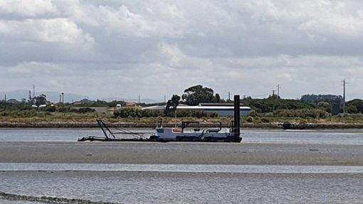 Covid-19: Retomadas dragagens na Ria de Aveiro