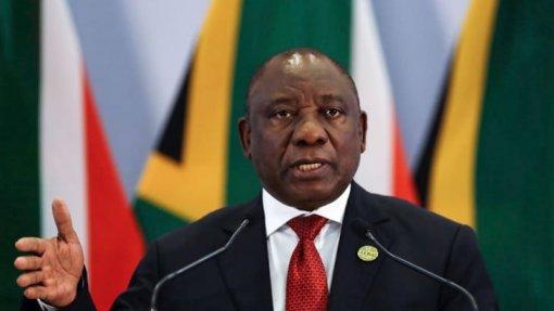 Covid-19: Presidente da África do Sul diz que vírus expõe desigualdades no país