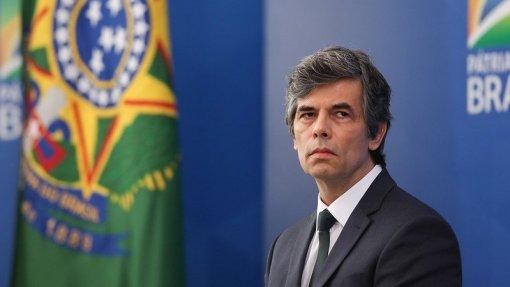 Covid-19: Ministro da Saúde do Brasil pede demissão